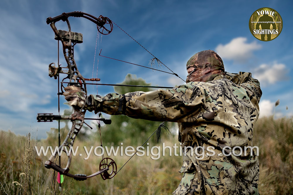 How does a bowhunter survive a charging Yowie in QLD